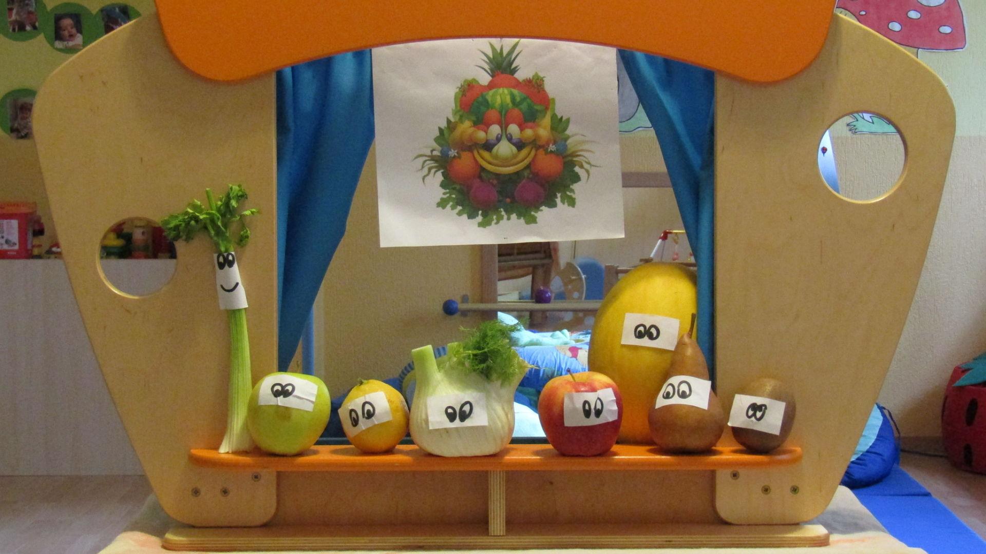 Attività-simbolica-educazione-alimentare-il-teatrino-di-Foody_opt